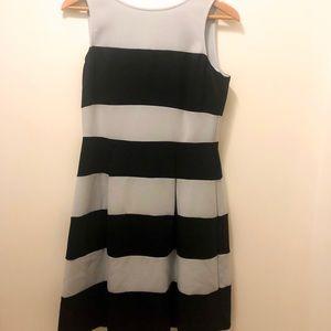 Light/dark blue Ann Taylor dress Sz 6 (fits 8/10)